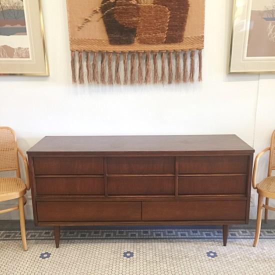 Superbe Vintage MidCentury Ward Furniture 8 Drawer Dresser | Vintage Mid Century Ward  Furniture Co 8 Drawer
