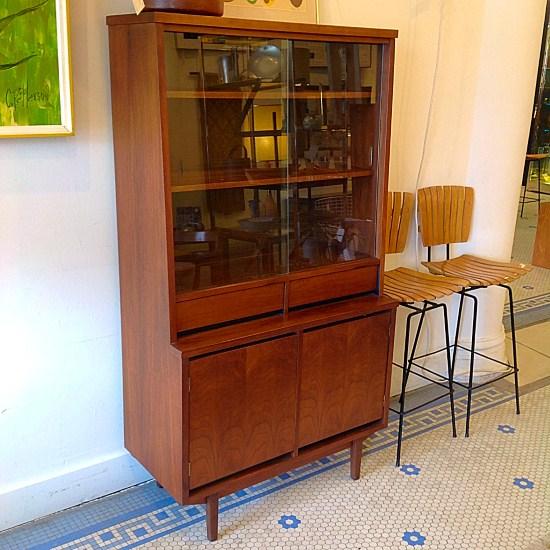 Vintage Walnut China Hutch Cabinet By Stanley | Nice Vintage Mid Century  Walnut China Hutch Cabinet