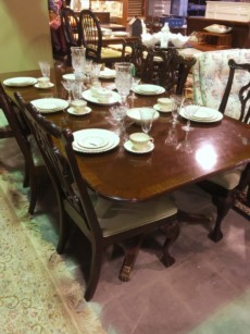 Captivating Duncan Phyfe Dining Table On Castors With 6 Chairs | Auburn SKU 6HCGXP |  Primary View